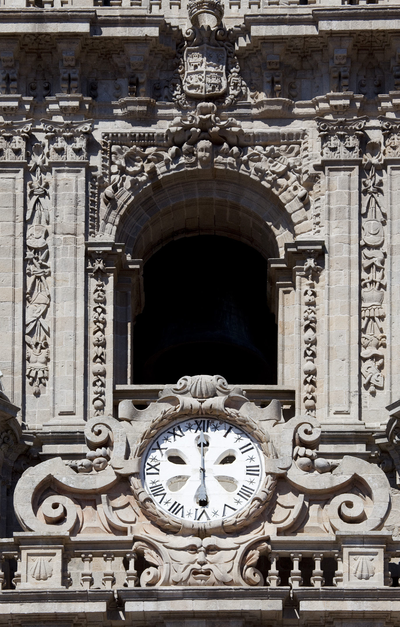 Detalle da torre do reloxo. Fotos: Tino Viz (Margen fotograf�a)