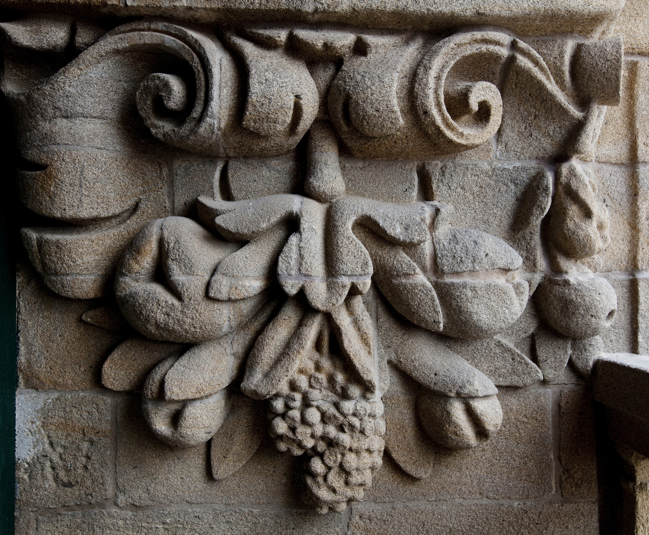 Unha exposición achégase ao arquitecto que abriu Compostela ao barroco