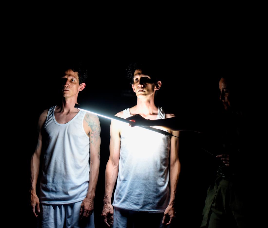O espectáculo foi creado xunto á compañía colombiana El Arca de N.O.E.