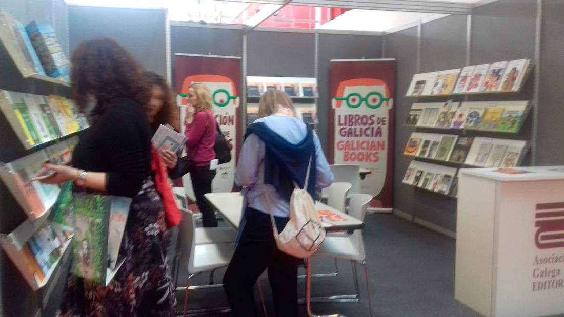 As editoriais galegas de LIX e a Xunta promoven os libros galegos na feira de Boloña