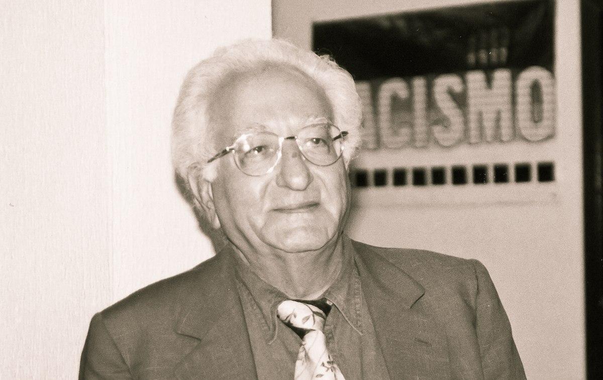 Pesar na cultura do país polo falecemento de Giuseppe Tavani