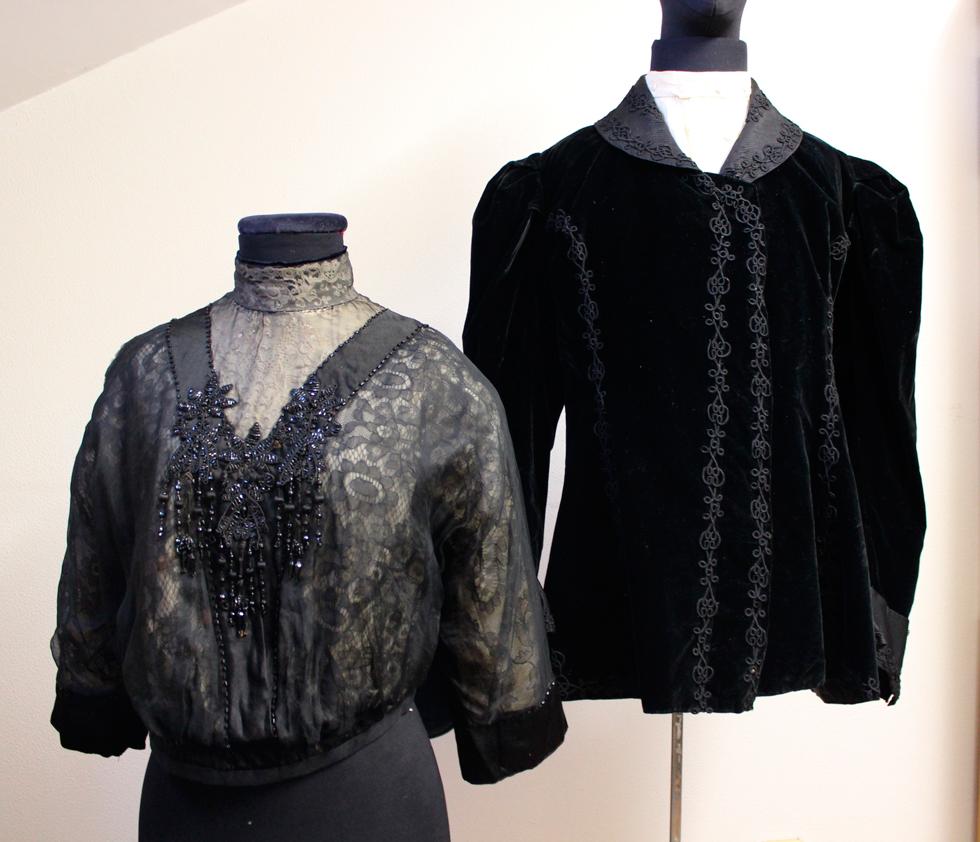 Corenta pezas de roupa feminina de entre 1875 e 1914 amplían o fondo téxtil do Museo do Pobo Galego