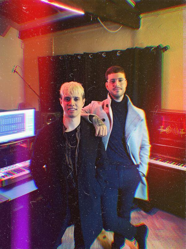 O dúo de electro pop comunican a fin do proxecto común tras cinco vertixinosos anos