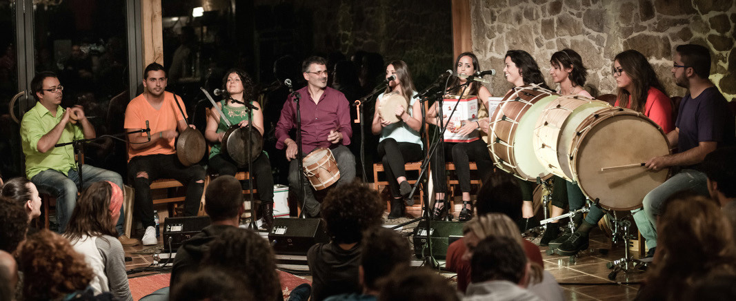 O novo proxecto de Xosé Lois Romero chama a renovar a nosa percusión tradicional