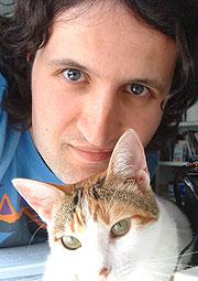 Seijas é un coñecido autor de banda deseñada que se estrea na poesía