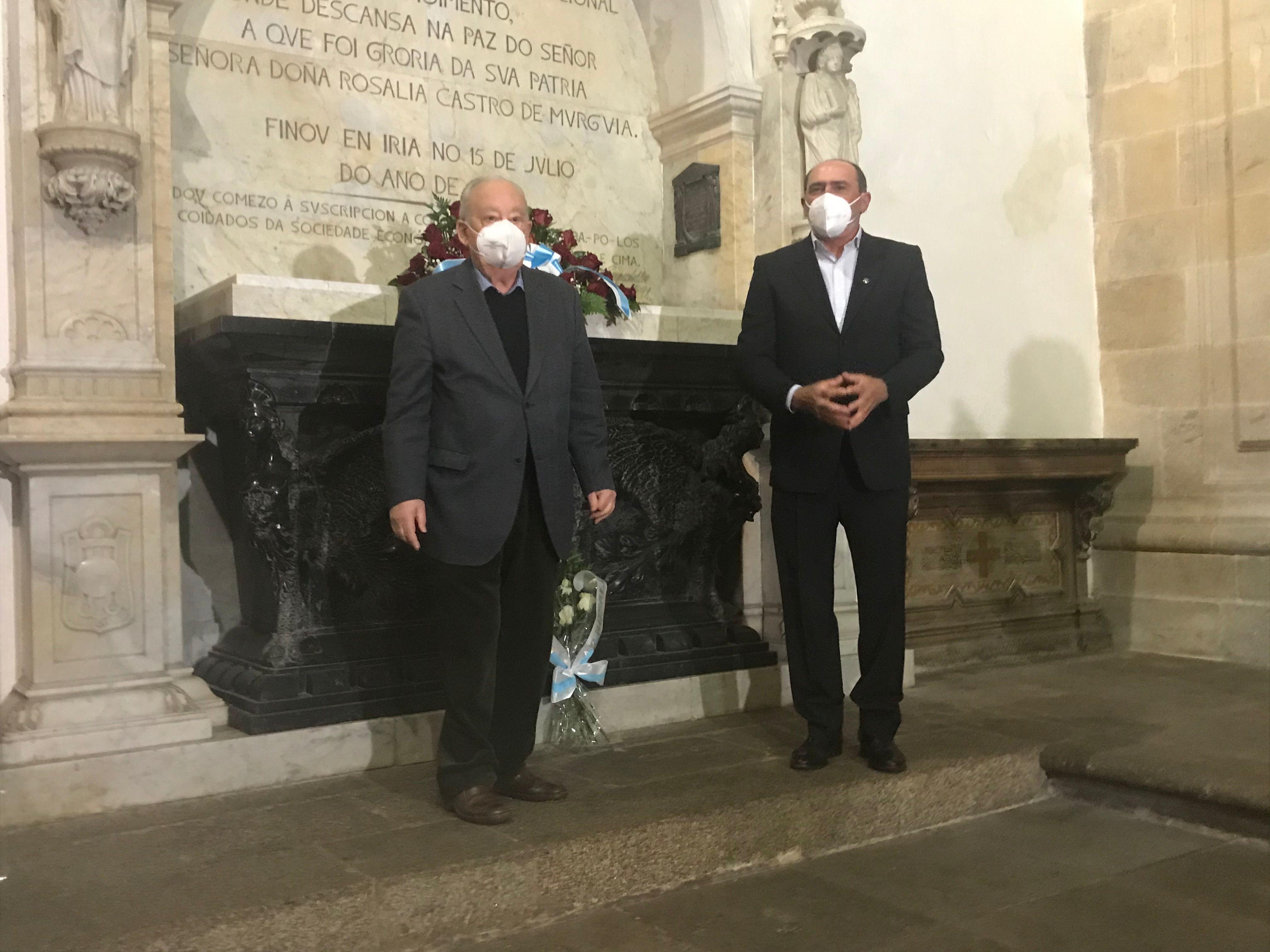 As entidades conmemoraron os 130 anos do traslado dos restos de Rosalía que inaugurou este espazo
