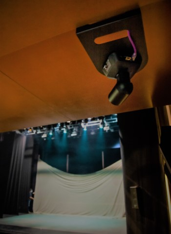 O Salón Teatro equípase cun sistema de cámaras e realización que será tamén usado no proceso creativo