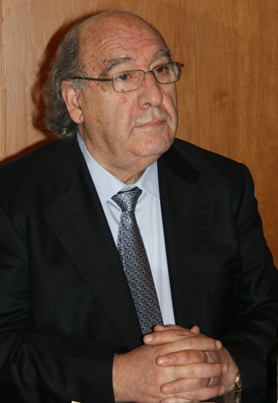 Fora presidente da Real Academia Galega entre 2001 e 2010