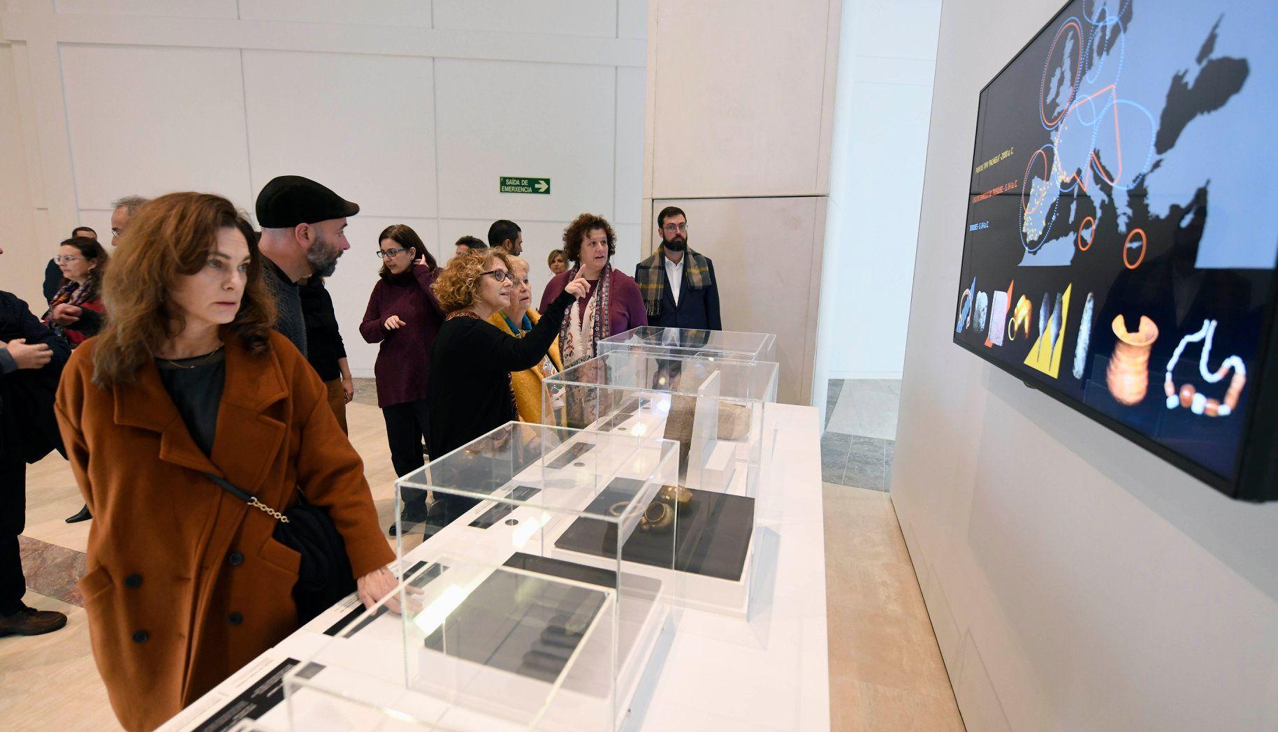 A exposición 'Galicia, un relato no mundo' xa abriu as súas portas ao público