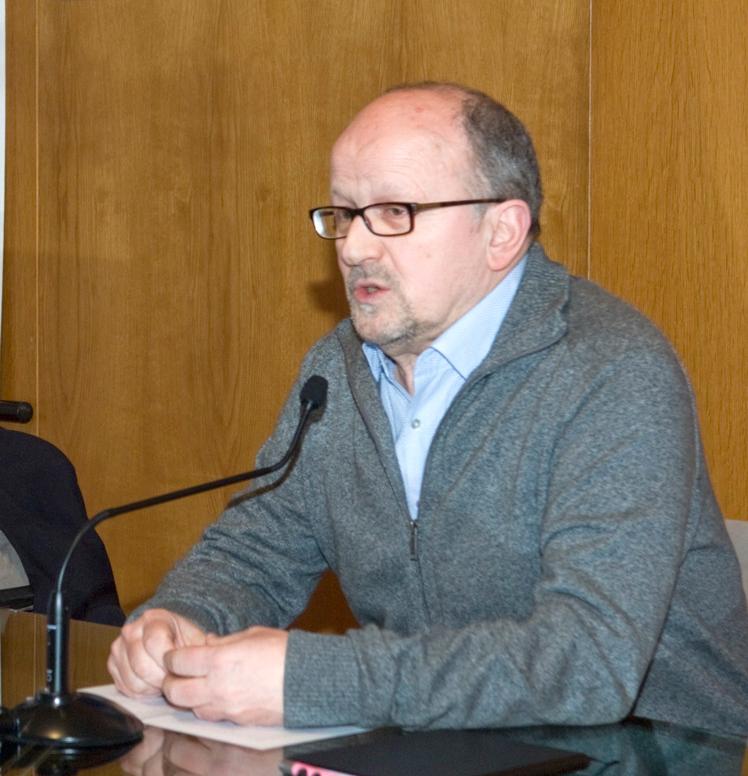 Entra a substituír a Iñaki Martínez Antelo que deixou o posto en novembro de 2017