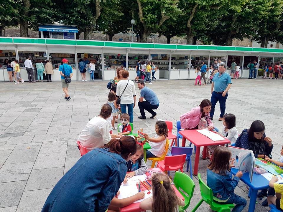 Dezaseis feiras do libro percorrerán Galicia este ano