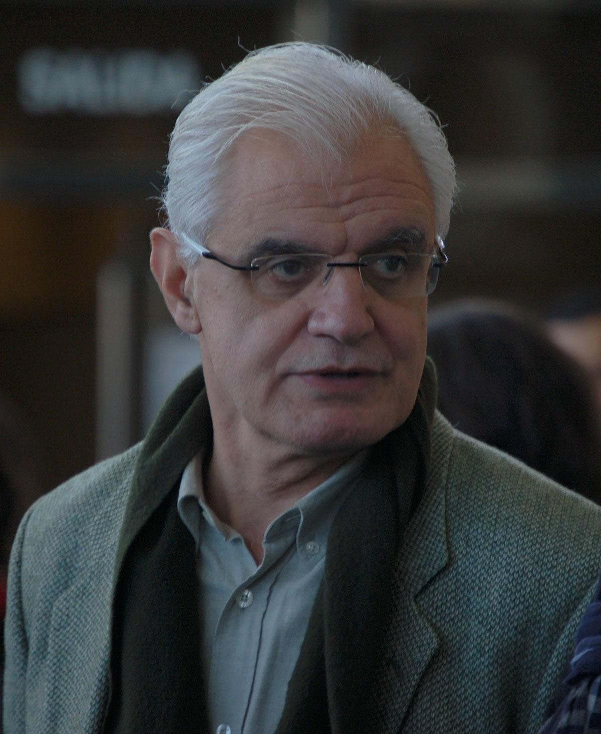 Víctor F. Freixanes opta á reelección como presidente da RAG como único candidato