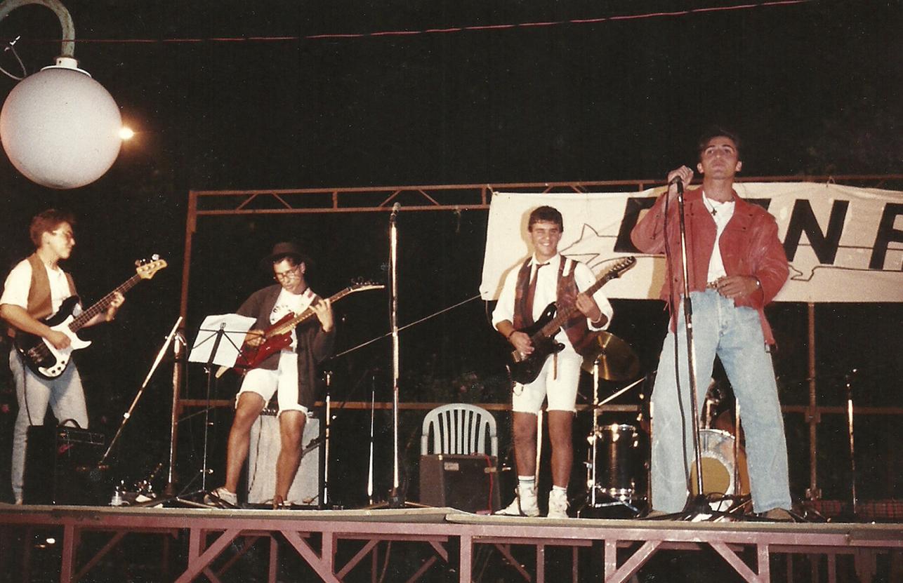 Primeiro concerto como Herederos de la Cruz (1992) Foto: Cortes�a Eds. Xerais