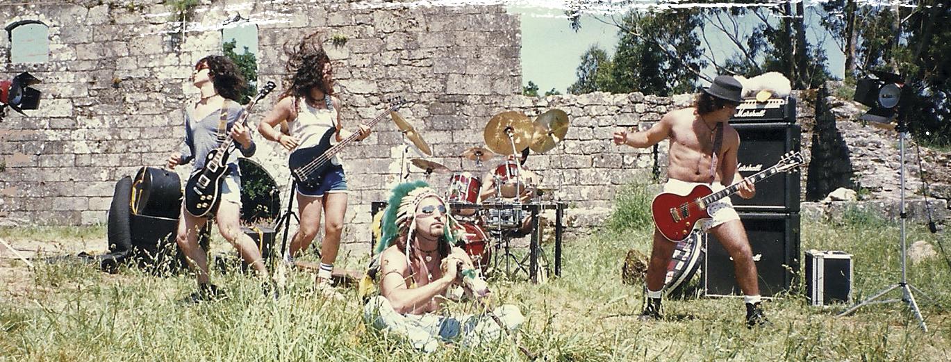 HDC gravando videoclip de <i>De Jalisia ao estranxeiro</i> para o programa Desde Galicia para el Mundo de TVE-G. Cortes�a Eds. Xerais