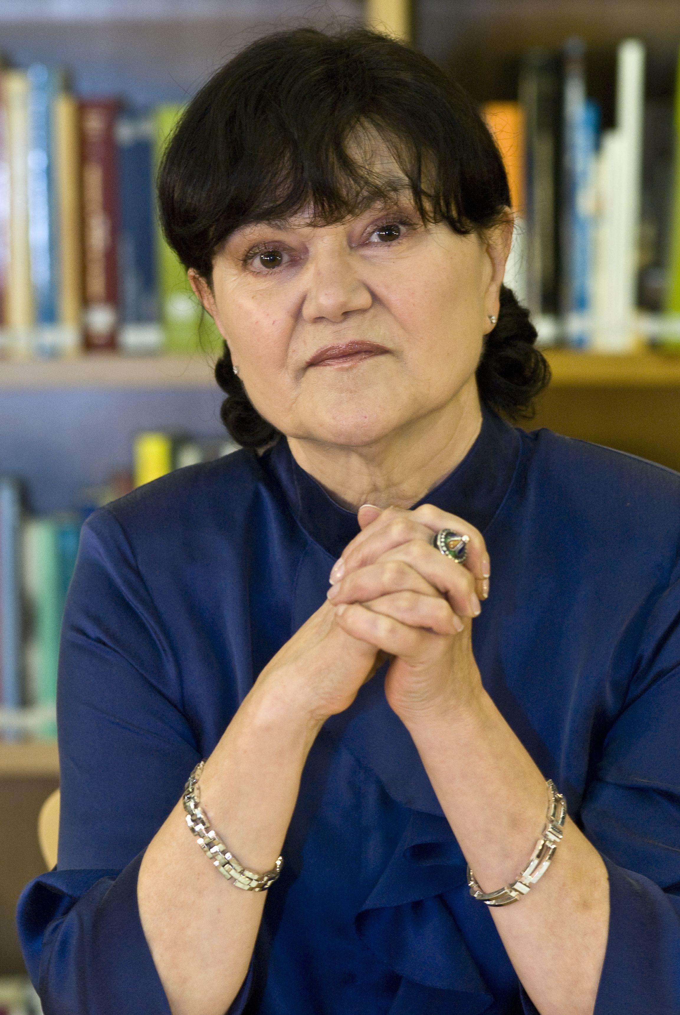 Margarita Ledo é a primeira muller recoñecida co Premio Otero Pedrayo