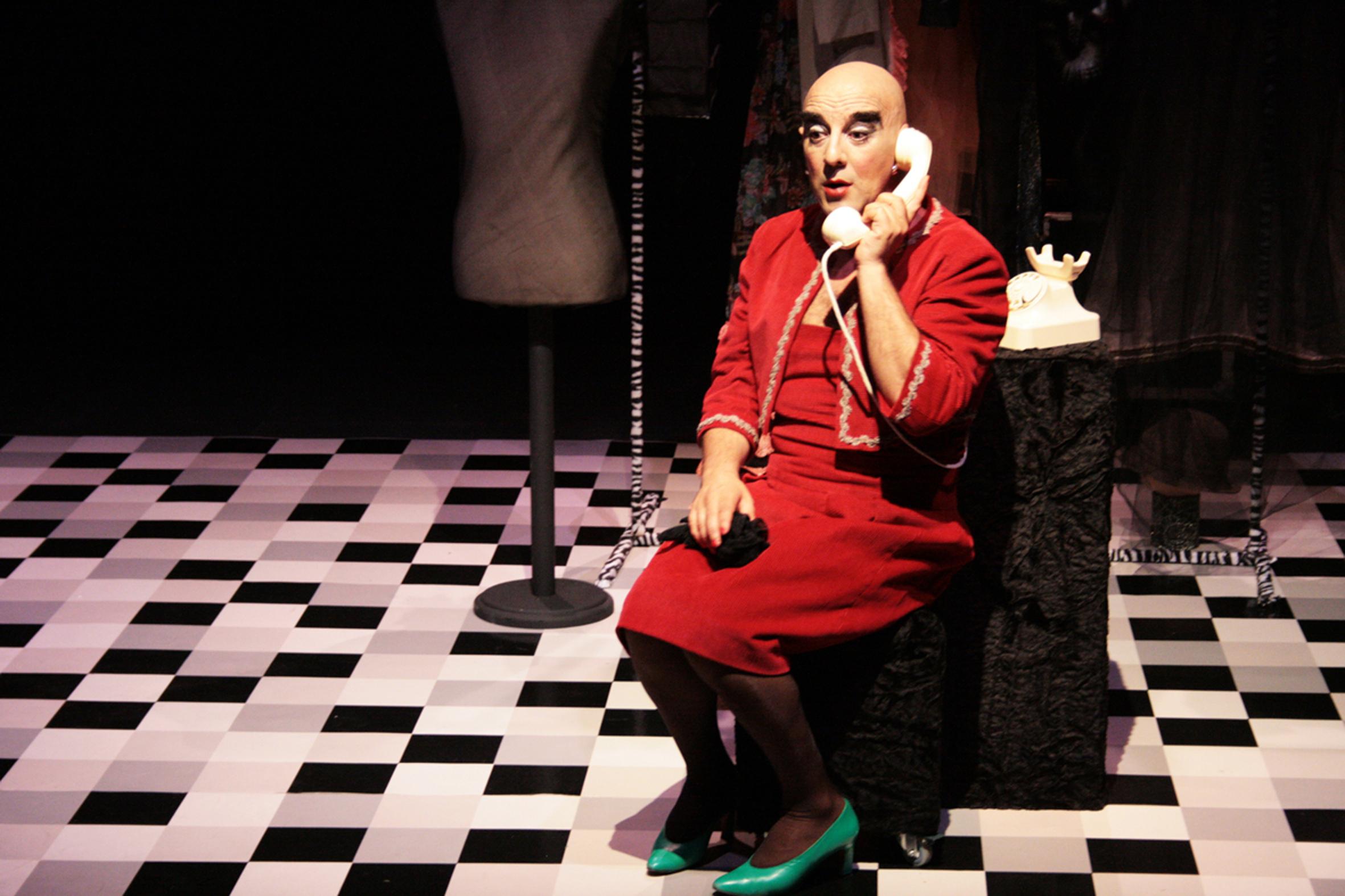 Tía Mardalina e Mundo Villalustre poñen en escena unha comedia negra sobre a soidade