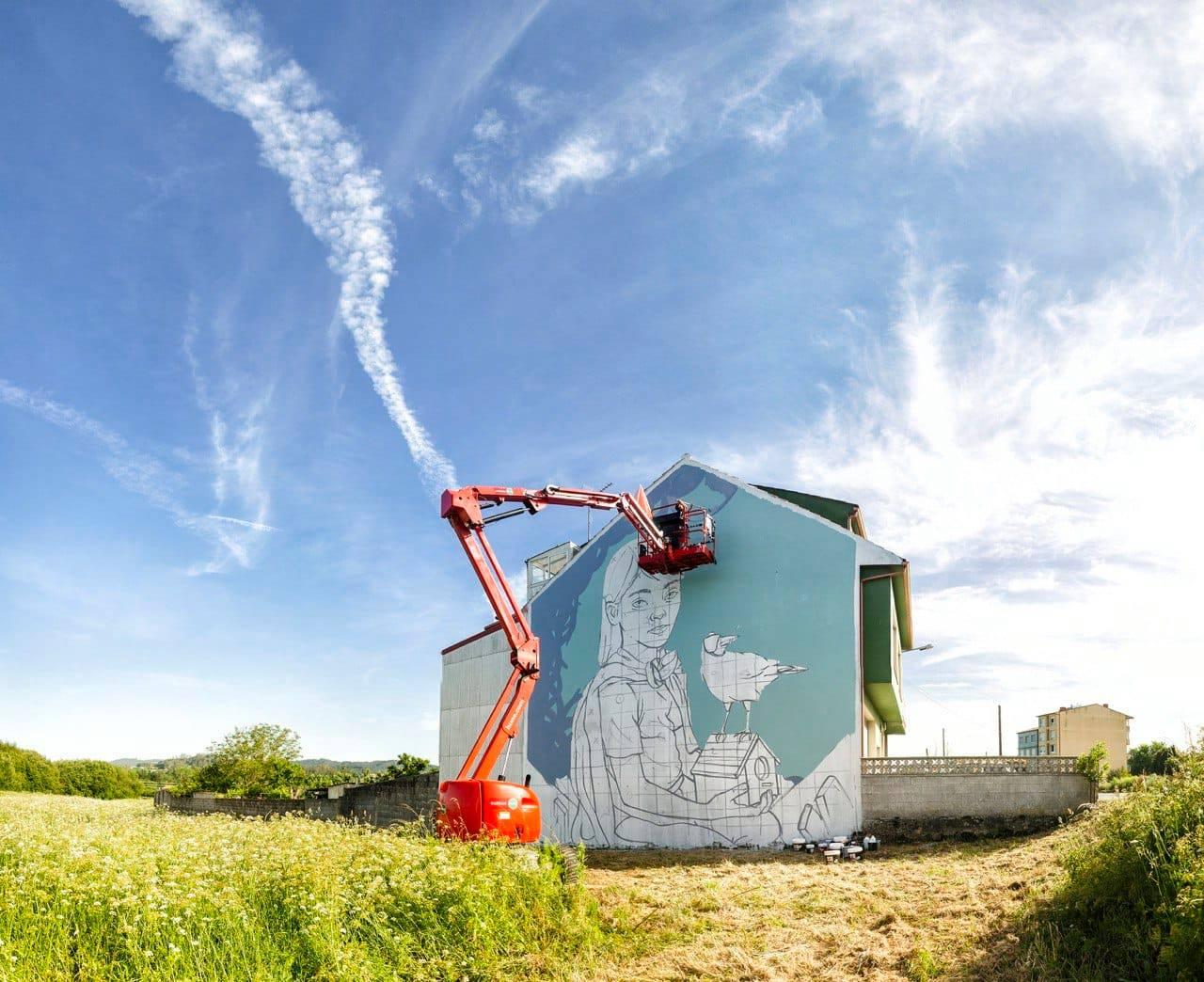 Un crecente grupo de artistas aposta por centrar a súa actividade profesional na pintura sobre paredes