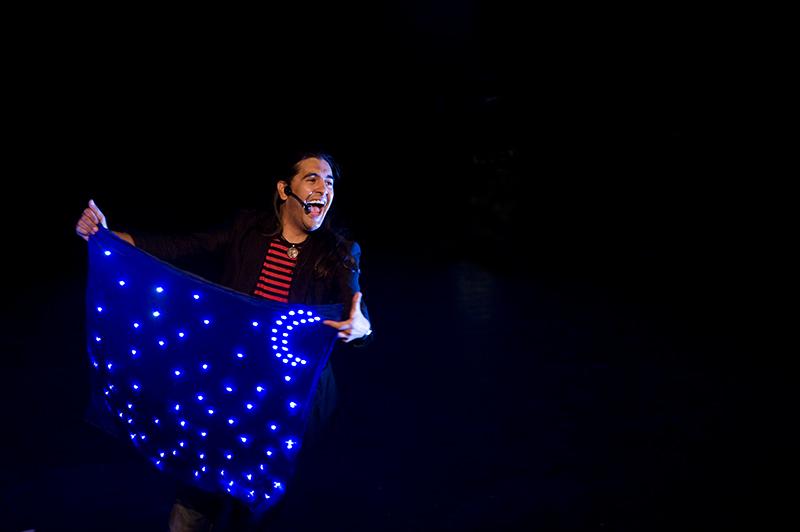 O Mago Teto presenta novo espectáculo fiel á mestura de maxia e humor