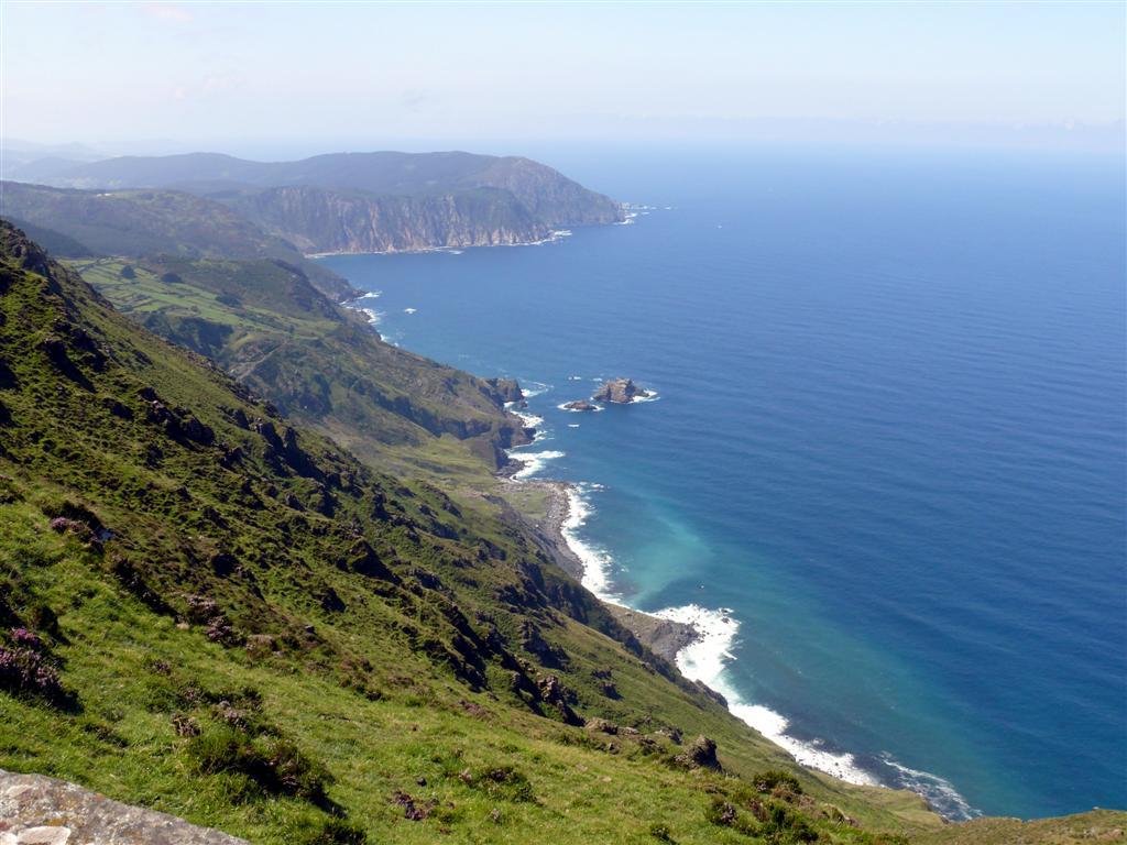 A separación e choques entre continentes deixou importantes restos na paisaxe galega