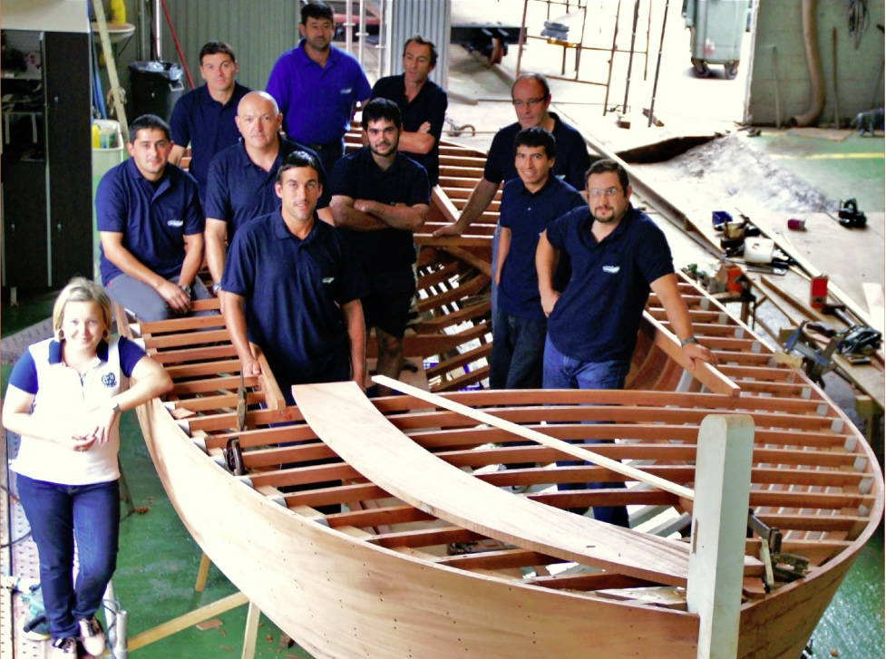 Barcos e mobles aproveitan os coñecementos tradicionais para innovar