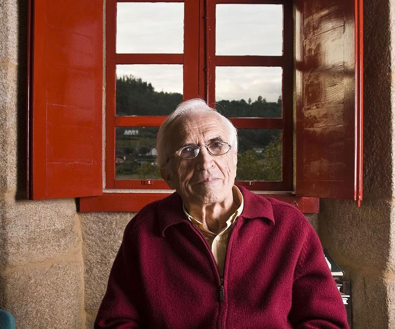 Morre o escritor Xosé Neira Vilas