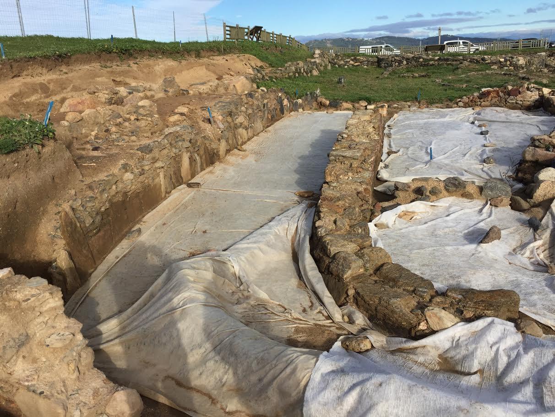 Rafael Rodríguez explícanos a campaña arqueolóxica 2016-2017 no campo da Lanzada