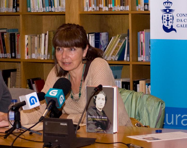 O primeiro volume da obra ofrece unha nova interpretación sobre puntos chave da vida de Rosalía