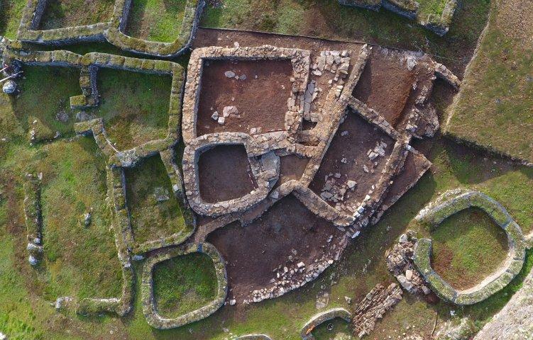 Consolidacións e investigación nas últimas campañas en sitios arqueolóxicos galegos