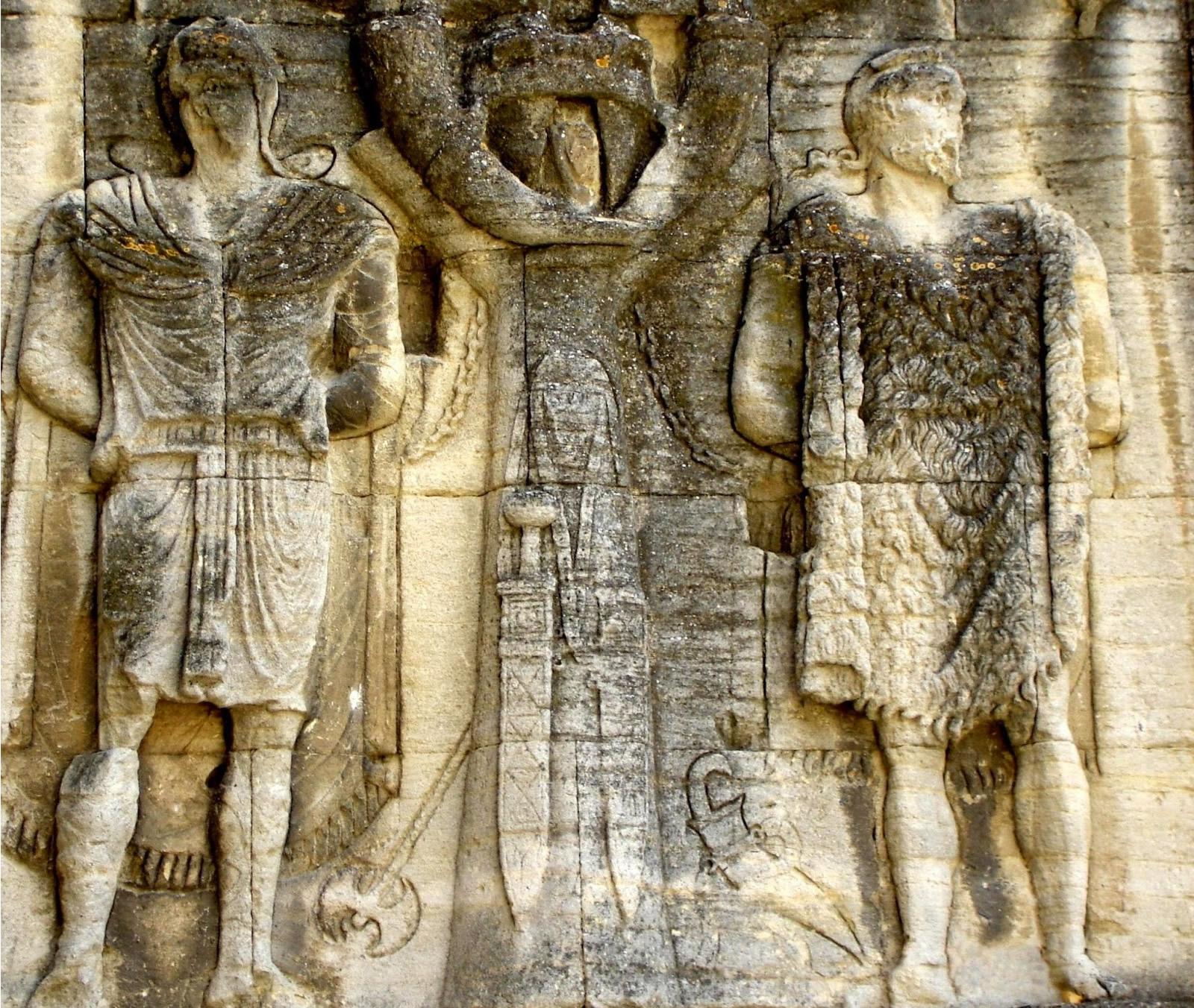 Un arco de triunfo en Francia pode gardar a primeira representación dun guerreiro galaico vencido