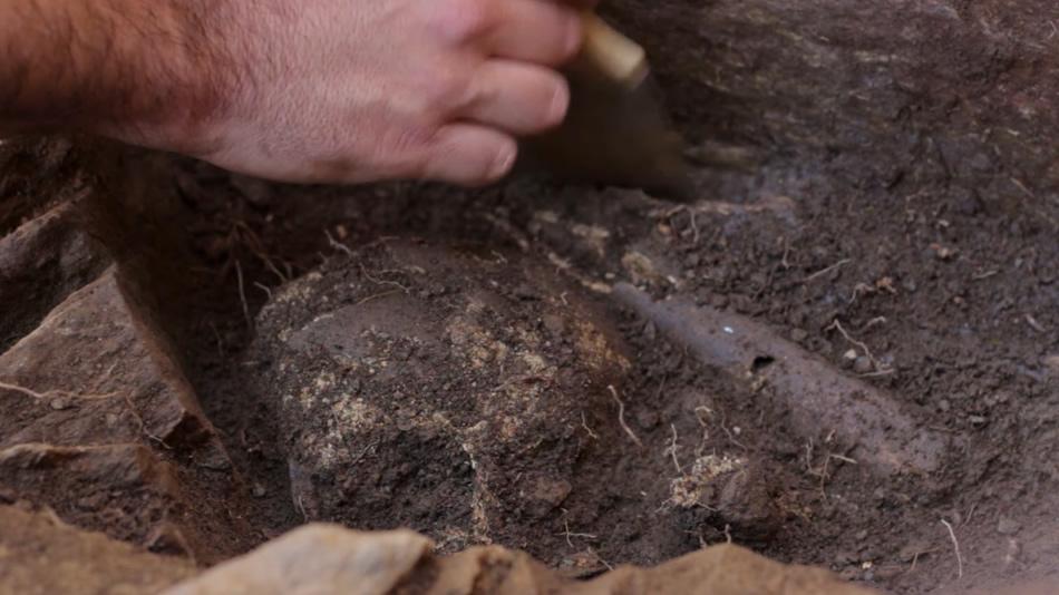 Localizan un enterramento durante a escavación dun mosteiro na Ribeira Sacra