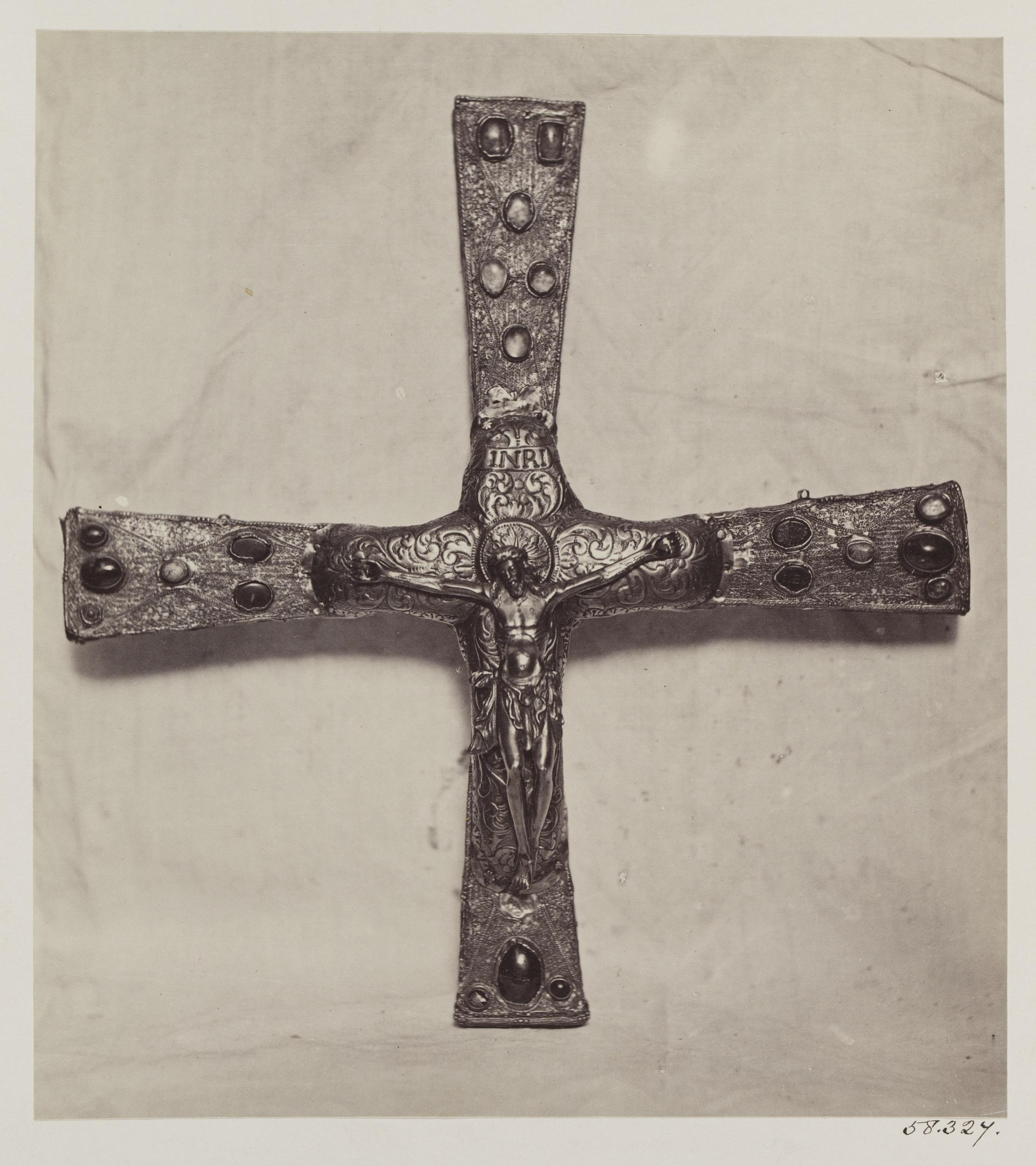 Localízase a fotografía máis antiga da roubada Cruz de Afonso III