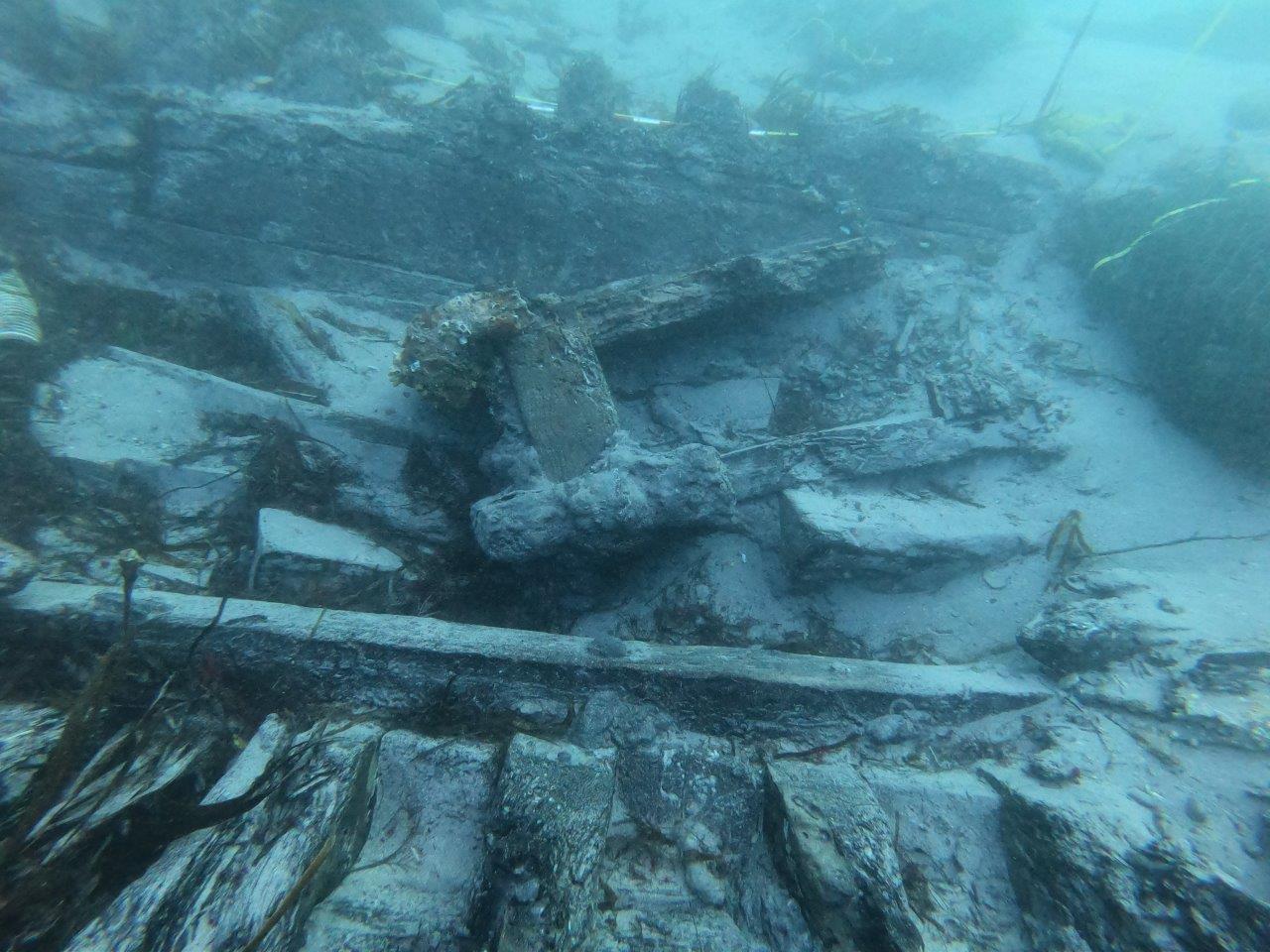 Os arqueólogos constatan o bo estado de conservación da cuberta do galeón San Giacomo