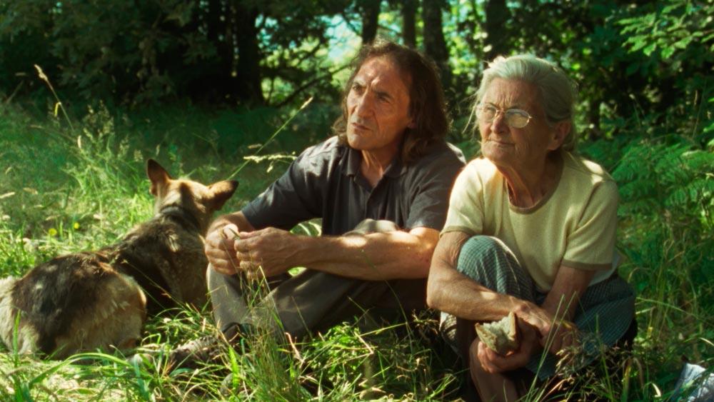 Amador e Benedicta. Fotograma de <i<O que arde</i>