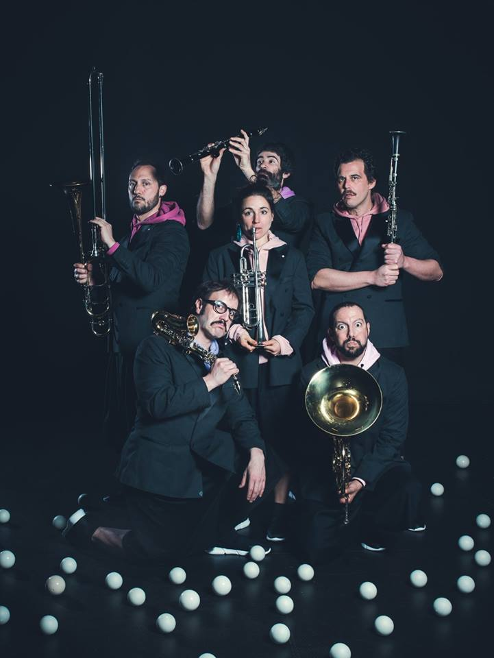 <i>Orquestra de Malabares</i> conta coa colaboración das bandas de música locais