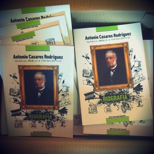 O químico Antonio Casares protagoniza a primeira biografía