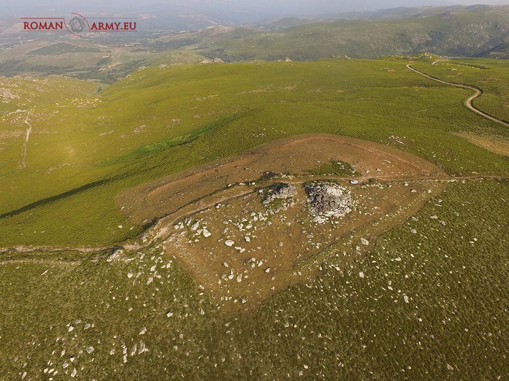 Chatolas e moedas datan o recinto fortificado de Manzaneda nas Guerras Cántabro-Astures