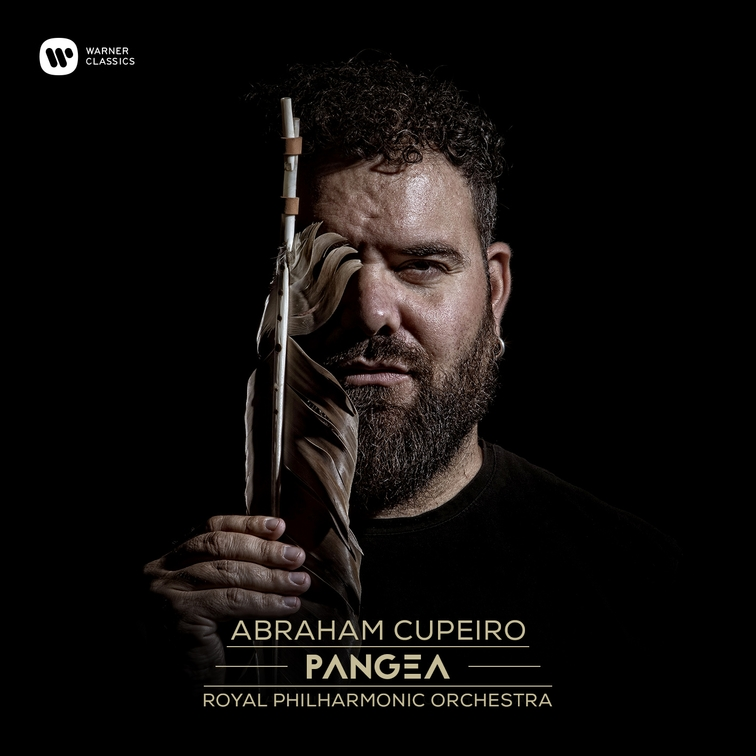 O músico e recuperador de instrumentos esquecidos acompáñase da Royal Philarmonic Orchestra no seu novo disco