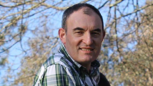 Rafael Sisto explica o rico patrimonio científico dos institutos históricos galegos