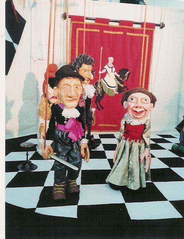 Viravolta expón os motivos do peche do Museo Galego da Marioneta