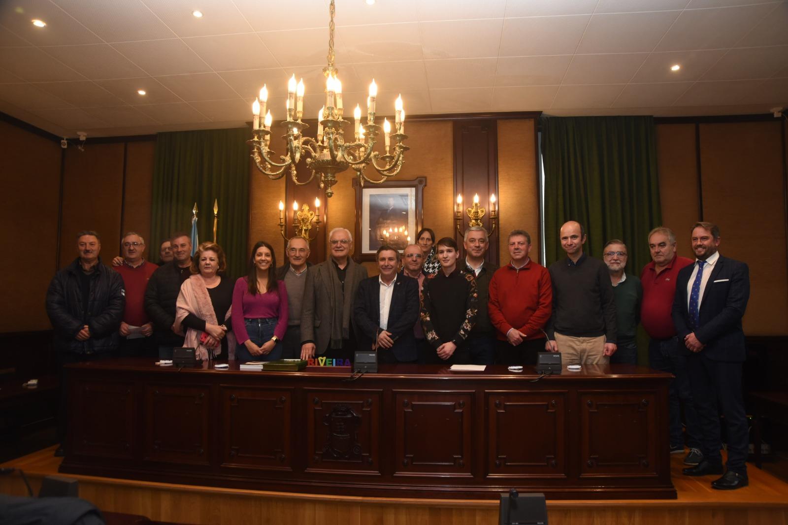 Aceptou o informe da Real Academia Galega