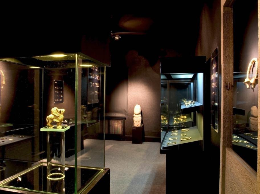 Dous especialistas comentan as principais pezas do legado de Álvaro Gil que retornou ao Museo de Lugo