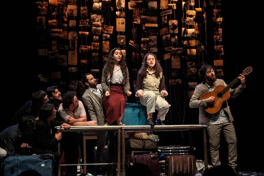 O Salón Teatro de Santiago acollerá esta obra da que participan o Centro Dramático Galego e a Secretaría Xeral da Emigración
