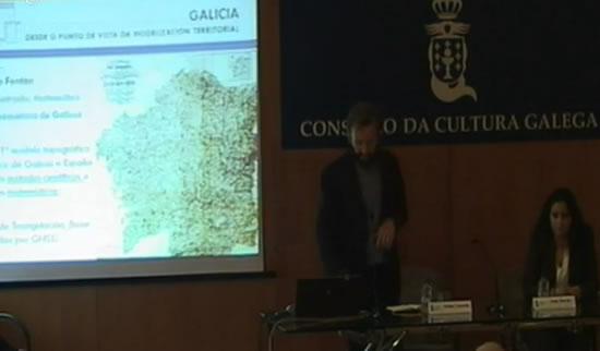 A investigadora María Loureiro presentou a análise sobre os custos do desastre na xornada do CCG sobre Modelización da Terra