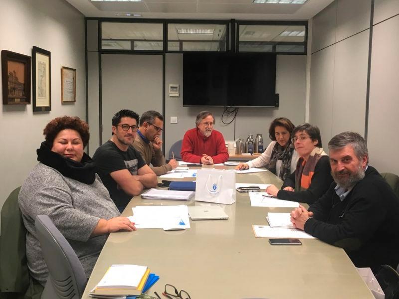 Ambos escritores repartirán a dotación do galardón convocado pola Deputación da Coruña